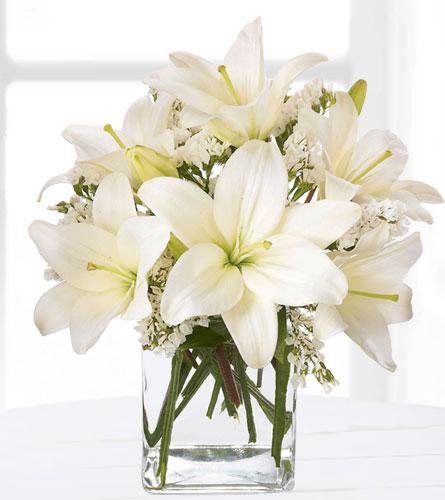 Natures wonders florist send flowers white rock local florist lush lily bouquet mightylinksfo